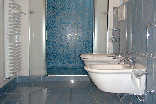 Progettazione e installazione o ristrutturazione impianti idraulici problemi infiltrazioni - Impianto idraulico bagno ...